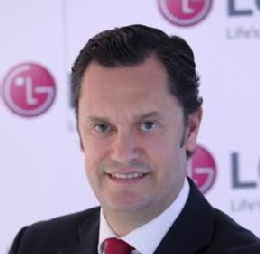 Elías Fullana, Director Europeo de Marketing de LG Mobile Communications